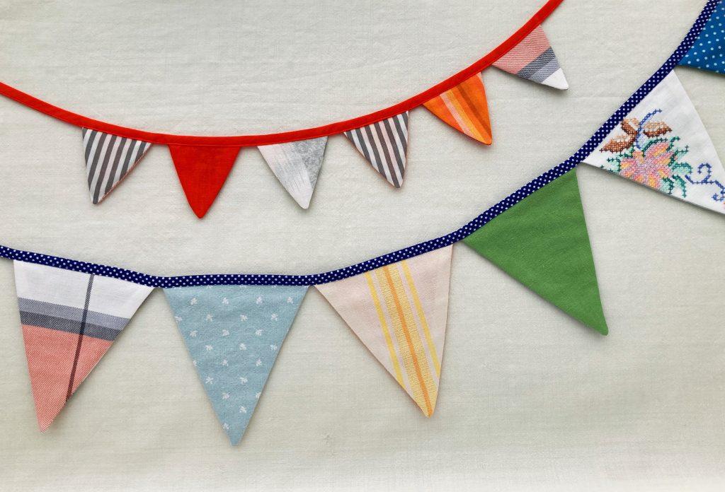 Sy en flot og festlig vimpelranke til børneværelset ud fra let print-selv mønster i PDF
